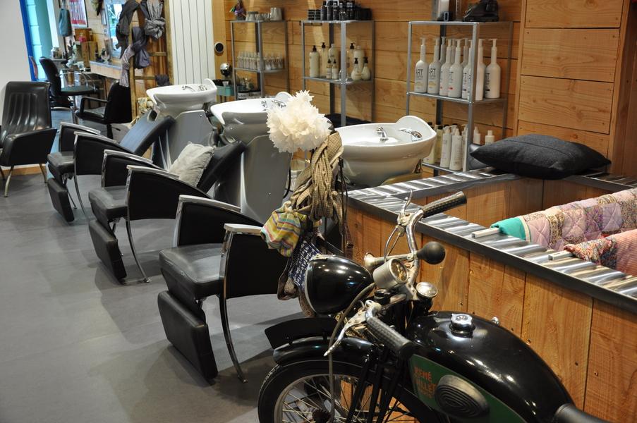 mon coiffeur est bizarre libourne nouveau coiffeur tendance libourne. Black Bedroom Furniture Sets. Home Design Ideas